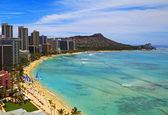 Waikiki beach ve diamond head krater — Stok fotoğraf