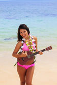 Beautiful Polynesian girl in bikini — Stok fotoğraf