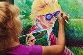 Artista pintando un autorretrato — Foto de Stock