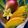 Mango fruit sliced and whole - Foto Stock