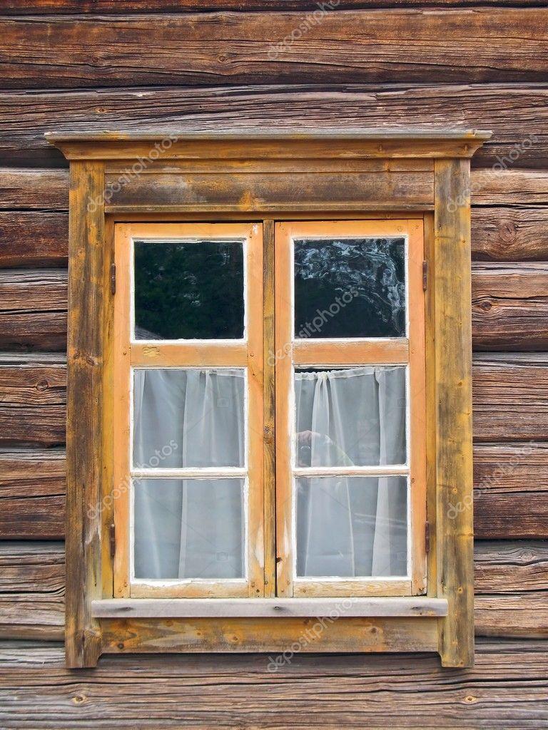 fen tre dans mur en bois ancienne photographie vitamindp 3158673. Black Bedroom Furniture Sets. Home Design Ideas