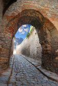 Passage in an ancient stronghold — Stock Photo