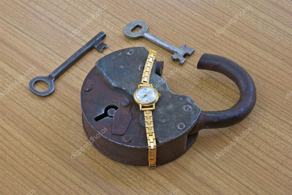 For thereof that open  lock not necessary gross key — Stock Photo #3205655