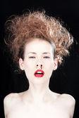 Kvinna med en blödande näsa — Stock fotografie