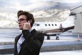Zakenman in de luchthaven — Stockfoto