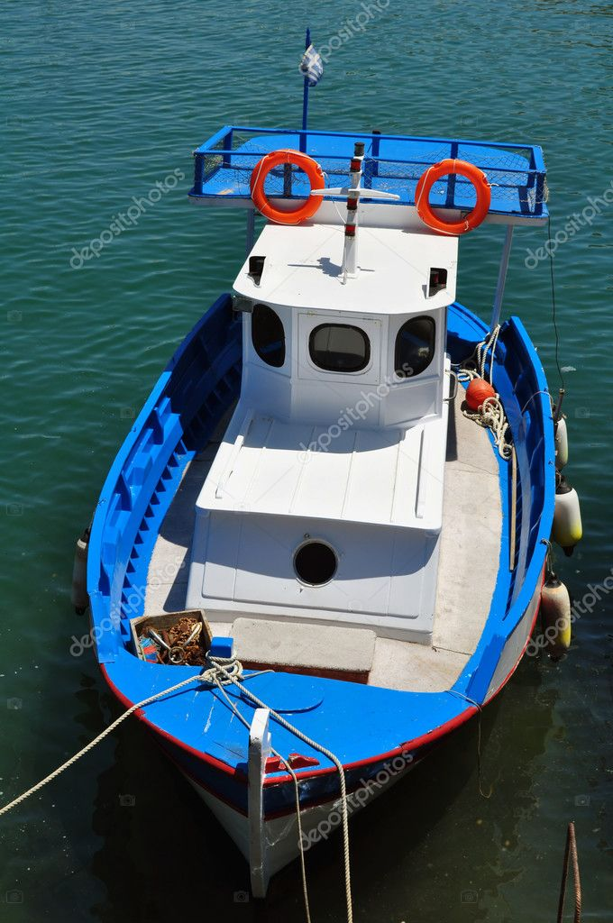 Fishing boat. Port of Heraklion, Crete, Greece. — Stock Photo #2860585