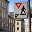 Pedestrians crossing sign. — Stock Photo