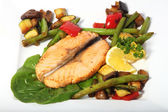 Fried salmon with vegetables — Stock Photo