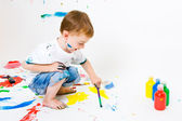 Child painting — Stok fotoğraf