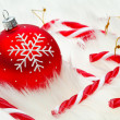 Red snow flake bauble — Stockfoto