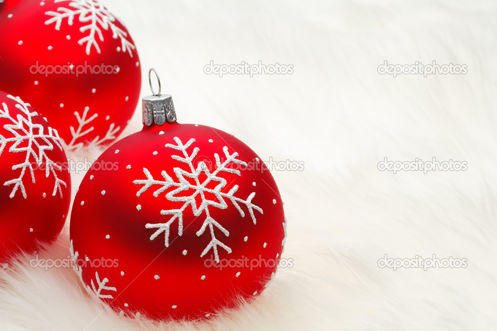 Red snow flake bauble — Foto Stock #2971984