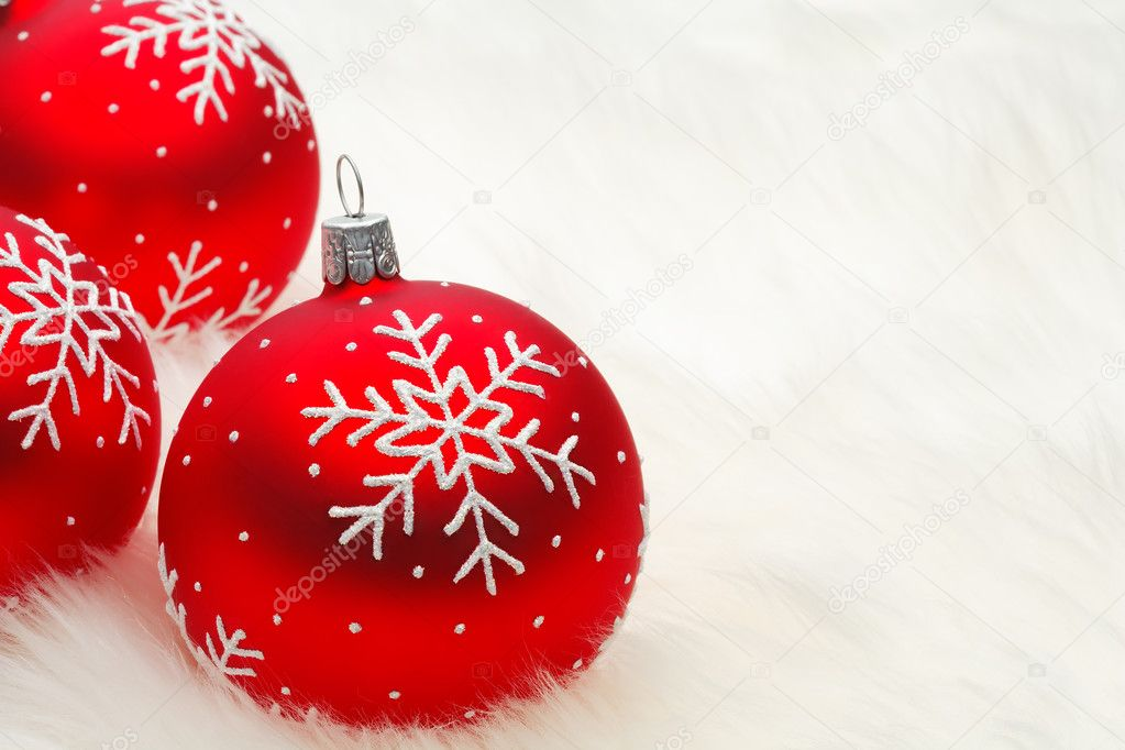 Red snow flake bauble — Stockfoto #2971984