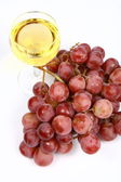 White wine and grapes — Stockfoto