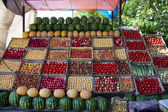 Frucht auf den stall — Stockfoto