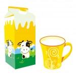 tazza e scatola di cartone di latte isolate — Vettoriale Stock