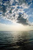 Moln över havet — Stockfoto