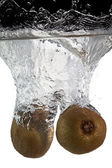 Two kiwifruit in water — Stock Photo