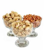 Pistachio & Peanut on white. XXL — Stock Photo