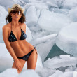 Hot'n'cold. Bikini and ice — Stock Photo