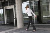 Businesswoman in a hurry — Foto de Stock