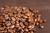 Granos de café oscuros — Foto de Stock
