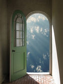 Arched Doorway to Blue Sky — Stock Photo
