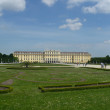 Schonbrunn Palace and Great Parterre — Stock Photo