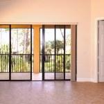 gran sala con puertas — Foto de Stock