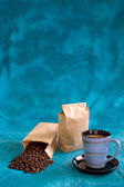 Coffee bean bags and coffee — Stock Photo