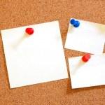 Blank sheet paper on bulletin board — Stock Photo