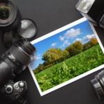 Dslr camera and image — Stock Photo