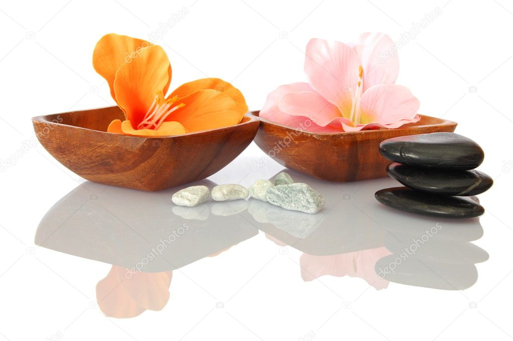 Spa and bath still life with flowers and pebbles showing asian alternative medicine — Stock Photo #3874872