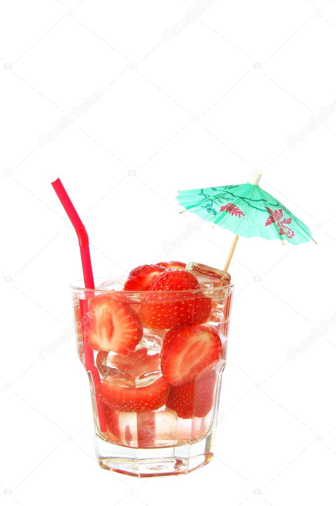 Healthy drink with sliced strawberry fruit isolated on white                                     — Stock Photo #3875323