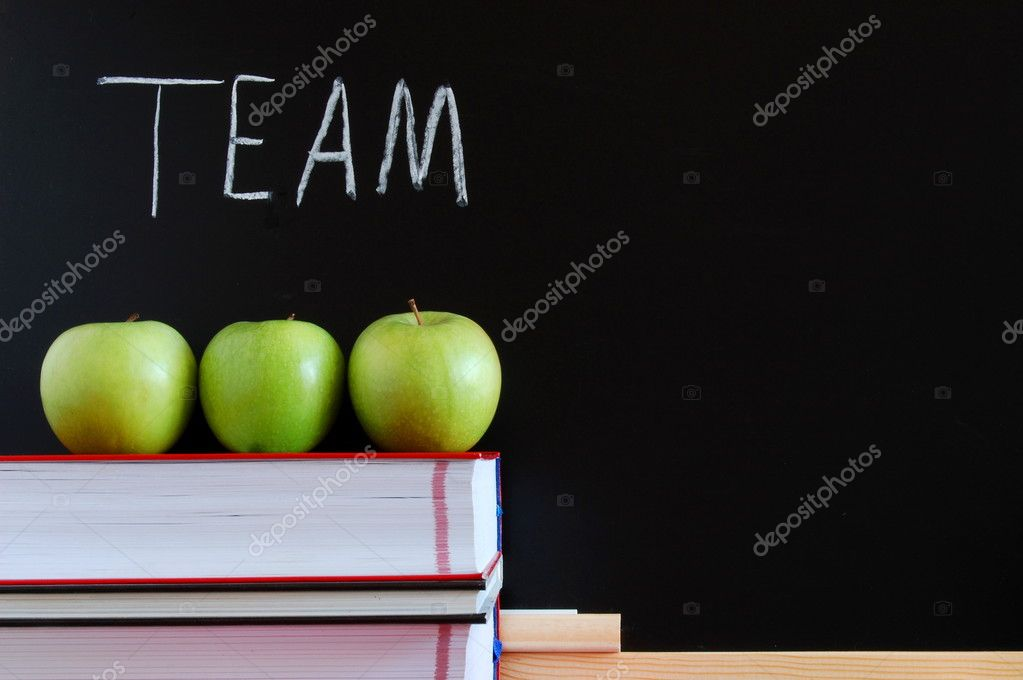 Chalkboard and apples showing a concept for teamwork — Stock Photo #4108656