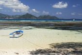 La Digue ebb-tide — Stock Photo