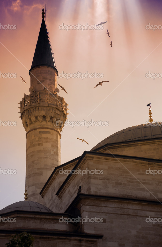 Minaret of Blue Mosque / Istanbul / beautiful sky and sanbeam — Stock Photo #3559962