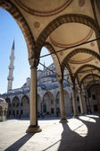 Blue mosque courtyard / Istanbul — Stock Photo