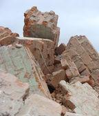 工厂拆除石头金属瓦砾的堆栈 — 图库照片