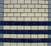 Gray dark blue white tile pattern on a wall — Photo