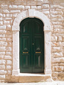 Wooden green frontdoor. — Stock Photo