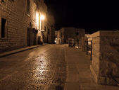 Lonely Alley by night. Giovinazzo. Apulia. — Stock Photo