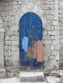 Crumbling Blue Frontdoor. — Stock Photo