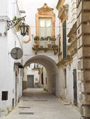 Alley of Martina Franca. Apulia. — Stock Photo