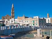 Panoramavy över monopoli. Apulien. — Stockfoto