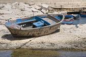 Abandoned boat. — Stock Photo