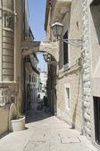 Arch in Bari Oldtown. Apulia. — Stock Photo