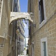 Alleyway. Bari oldtown. Apulia. — Stock Photo #3405946