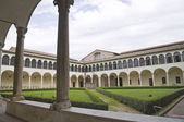 Cloister of St. Domenico Church. Perugia. Umbria. — Stock Photo