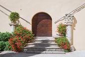 Cloister of St. Maria Maggiore Church. Spello. Umbria. — 图库照片