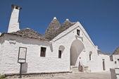 Egemen trullo. Alberobello. Apulia. — Stok fotoğraf